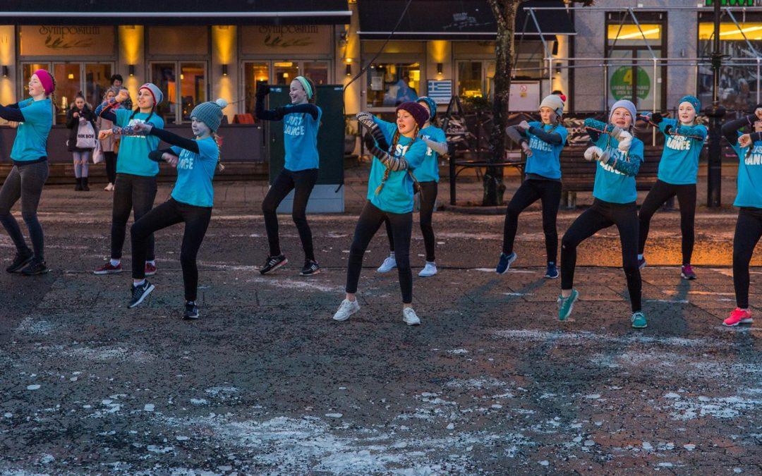 Danseoppvisning ved Bølgen Dansestudio